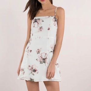"Tobi ""Becca floral shift dress"" White floral mini!"